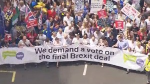 Thousands march in London against final Brexit deal